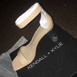 KENDALL + KYLIE Lexx Heel